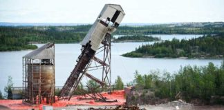 Gunnar mine headframe demolition