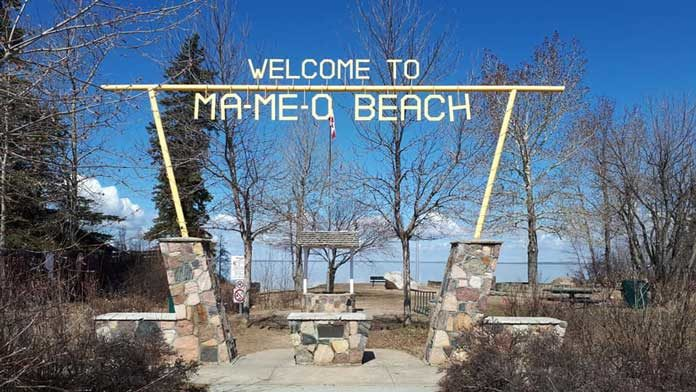 Ma-Me-O Beach sign