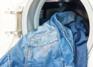 blue-jeans-in-washing-machine