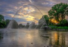 Memorial-Fountain-Thames-River