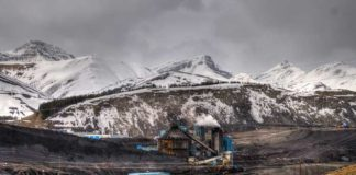 Alberta-Coal-Mine-stock-image
