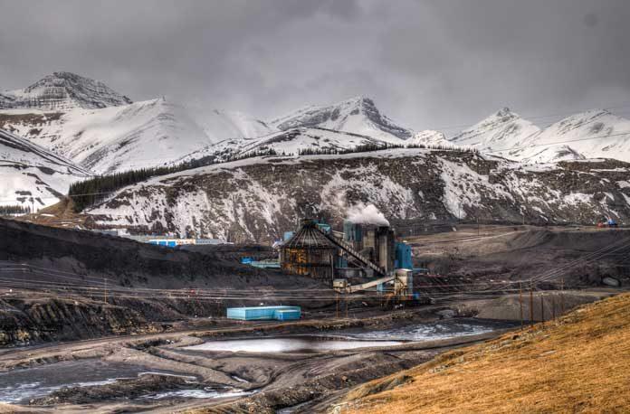 Alberta-Coal-Mine-stock-image