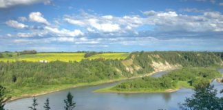 North-Saskatchewan-River-stock-image