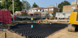 Geoweb cellular confinement over RS280i high efficiency geotextile