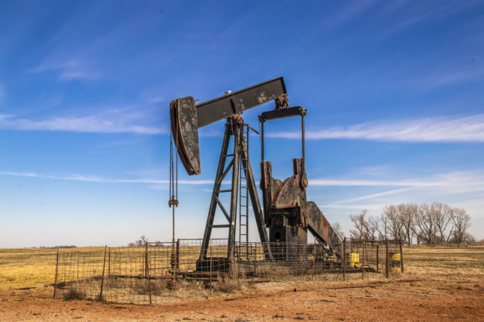 oil-well-pump-stock-image