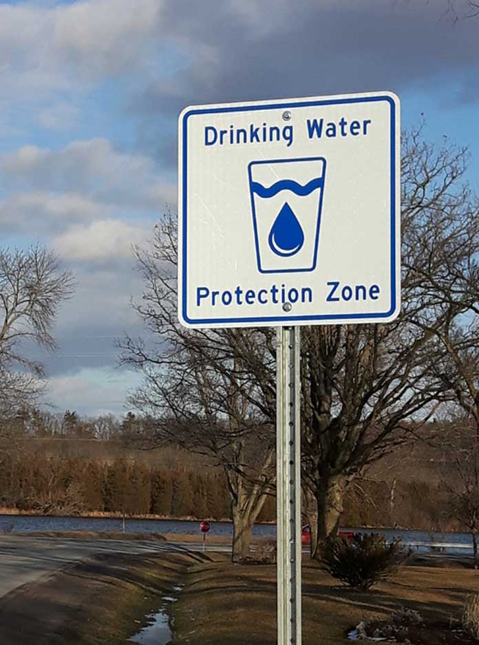 Drinking-water-protection-sign